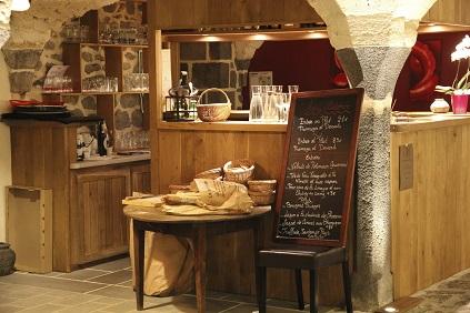 restaurant à Saint Pierre le Chastel